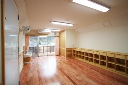 国造保育園完成02.JPG